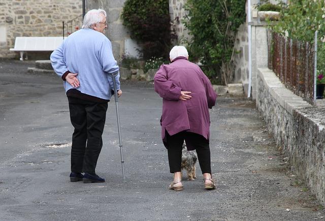 Slouží seniorům